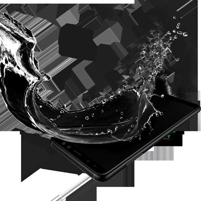 Bild på Samsung Galaxy A8 med vattenstänk och IP68-klassificering