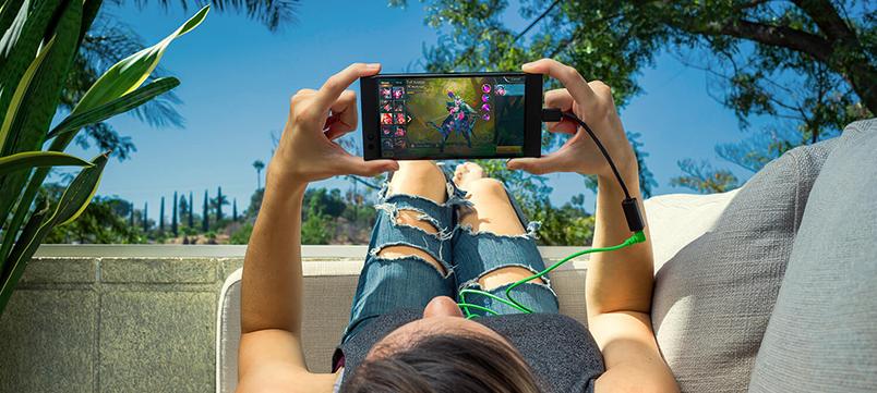 Ta med Razer Phone på semestern!